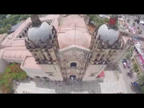 Los templos / La Martiniana. Eugenia León
