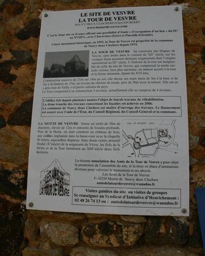 Photo : France : La Tour de Vesvre - Neuvy-Deux-Clochers