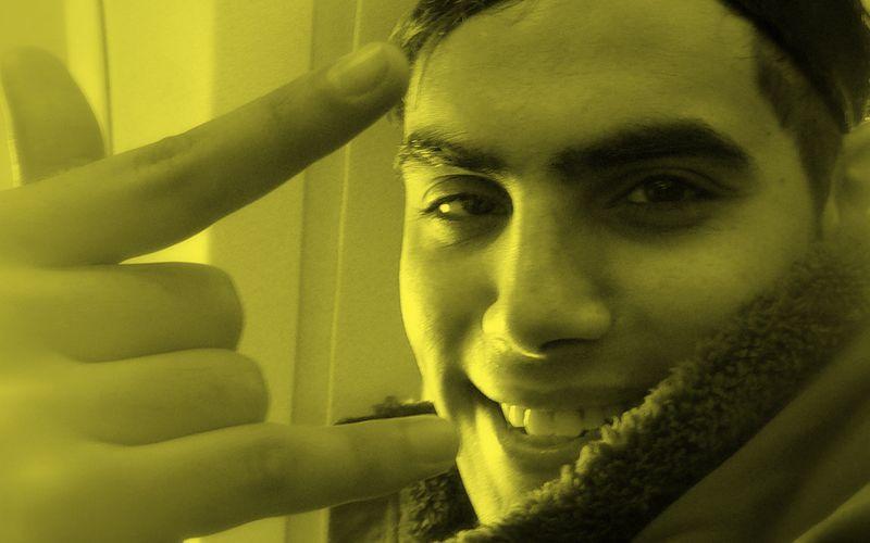 """Cheb Layn répète sa nouvelle chanson """"Konti Liya"""" avec Aziz"""