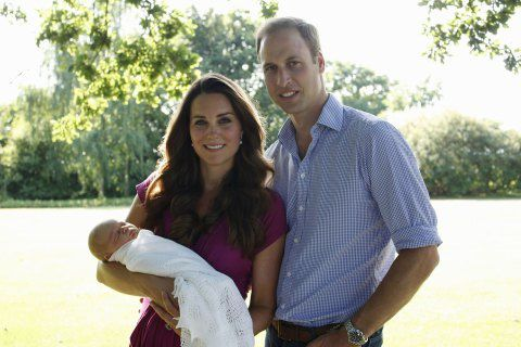 Le prince William et Kate Middleton dévoile la photo officielle de leur bébé