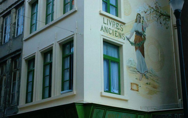 La fresque murale de l'ancienne librairie Minet Frères