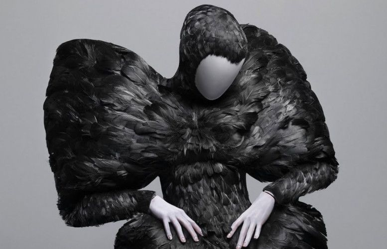 "EXHIBITION IN LONDON / ""SAVAGE BEAUTY"" : ALEXANDER MCQUEEN AT V&A MUSEUM IN LONDON / 14 MARCH - 19 JULY 2015"