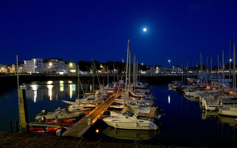 La Rochelle by night