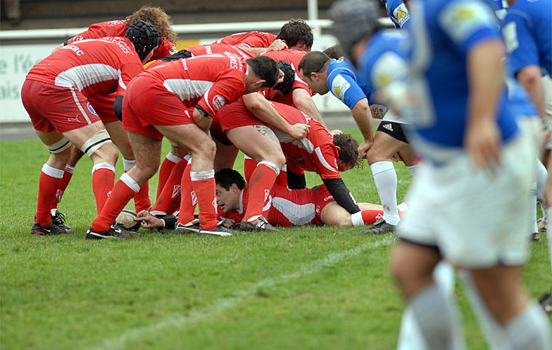 RUGBY:MELEE DE PAQUES...