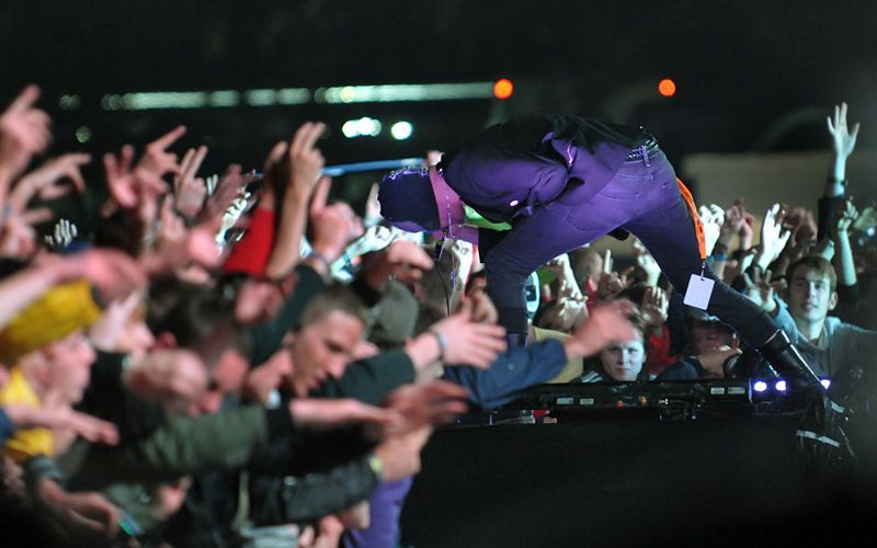 VIEILLES CHARRUES 2011:THE BLOODY BEETROOTS