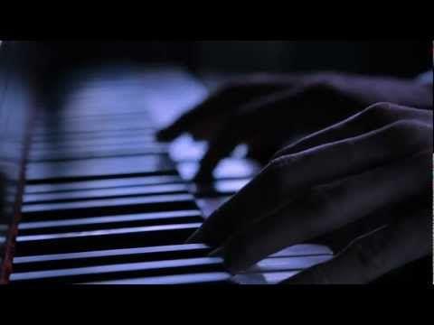 "Nader Guirat feat Dylan Lloyd - ""I'm Waiting"""