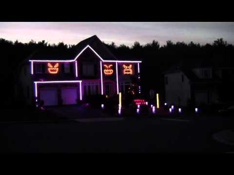 """La maison qui chante le """"Gangnam Style"""" de Psy pour Halloween"""