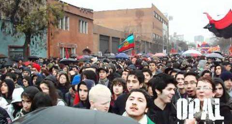 Chili : 120 000 étudiants en grève nationale (par Anémone C. HUBERT)