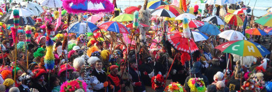 Plongez dans l'ambiance festive et colorée des plus grands carnavals du monde