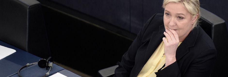 FN comparé à Daech: Le gouvernement envisage des poursuites contre Marine Le Pen