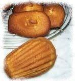 Madeleines Camembert Lardons