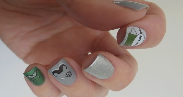 Nail Art - Moustache // VernisOngles.fr