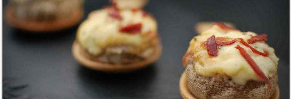 Champignons farcis au Fromage et au Jambon Sec