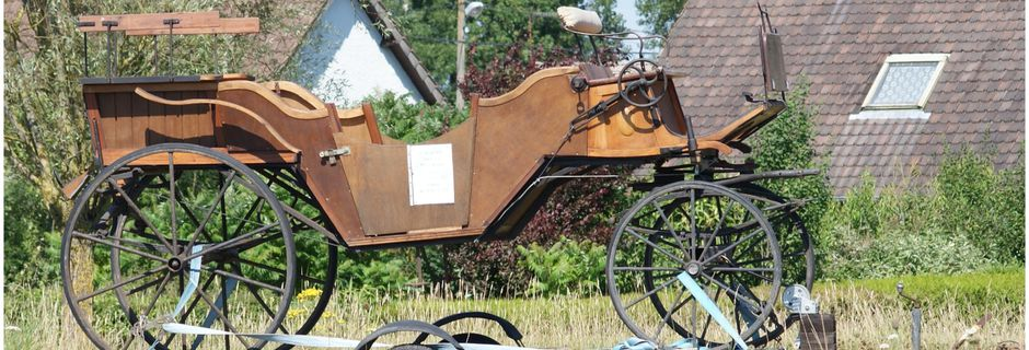 RUE (80) : une voiture a cheval