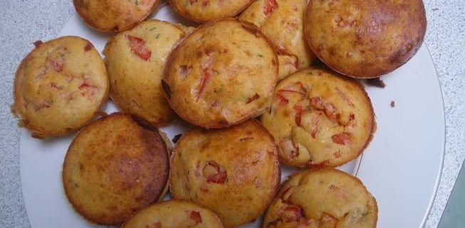 Muffins au Parmesan et tomates fraîches