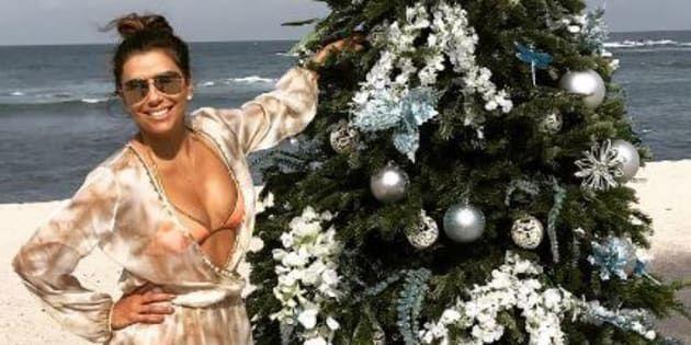 Taylor Swift et Cara Delevigne avec leurs proches, Eva Longoria à la plage ... Les célébrités vous souhaitent de joyeuses fêtes