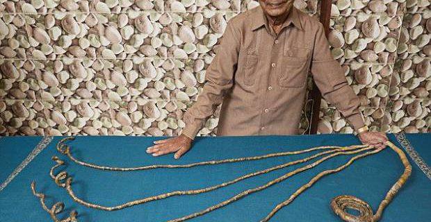 WTF : cet homme a les ongles les plus longs du monde ! Il ne les a pas coupé depuis 62 ans