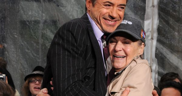 Robert Downey Jr. en deuil : L'acteur pleure la mort de sa mère...