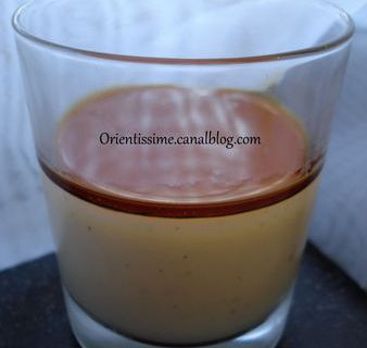 Panna-cotta au babeurre, agar-agar et sauce caramel