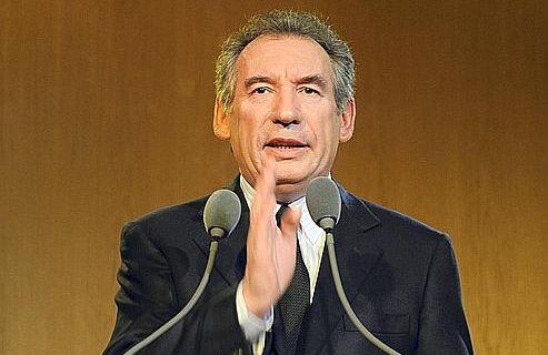 François Bayrou confirme sa candidature en 2012