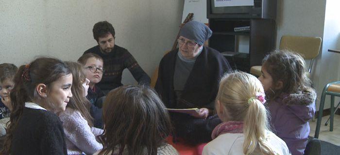 Retour sur les célébrations de Noël en Mission Ouvrière : Préparer Noël en priant à GETIGNE (près de CLISSON en Loire-Atlantique), un reportage vidéo de la TV Sèvre-et-Maine