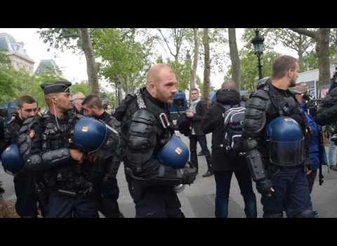 Voiture de police incendiée par les amis gauchistes, impunis d'Hollande...
