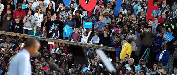 Obama a été interrompu plusieurs fois au rassemblement de campagne de Clinton en Caroline du Nord (VIDÉO)