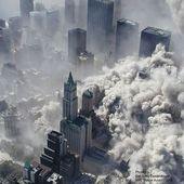 Prédiction de Ned Dougherty : une vague géante va engloutir New York ! - MOINS de BIENS PLUS de LIENS