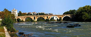 http://upload.wikimedia.org/wikipedia/commons/thumb/d/d4/Ponte_Milvio-side_view-antmoose.jpg/400px-Ponte_Milvio-side_view-antmoose.jpg