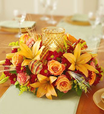 Spice up home with beautiful Thanksgiving flower decorations