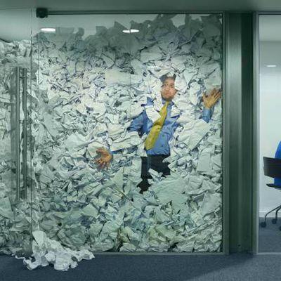 Cómo decirle a tu jefe que estás hasta arriba de trabajo (y no acabar en el paro)