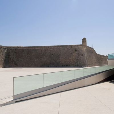 URBAN SQUARE & CAR PARK ACCESS IN CASCAIS-PORTUGAL / MIGUEL ARRUDA ARCHITECT /