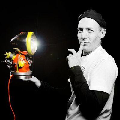 lampstoyz by Mister Orange