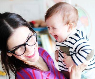 Pour être une femme, soyez d'abord une mère:  la construction de l'identité féminine à travers le concept d'instinct maternel