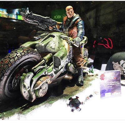 Des photo de la figurine du collector de Gears of Wars