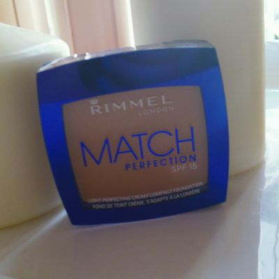 Makeup Review RIMMEL MATCH PERFECTION SPF 15 Compatto