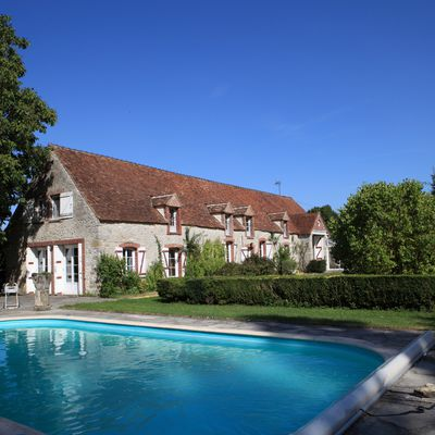 For Sale: Charming property 1-hour from Paris; near Provins (77) France