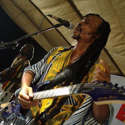 Assima Joy Tcharley, un musicien plein d'énergies positives