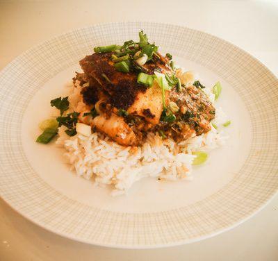 Seelachs-Korma mit Reis, indisch nach Jamie Oliver