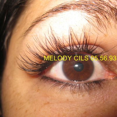 Extension de cils de Melody