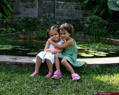 Very Beautiful and Cute Kids - Friendship