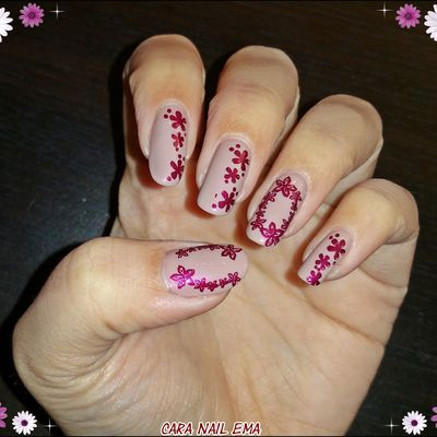 """Peggy sage """"Nude Elégance"""" et son stamping fleuri - review Staming Nail France"""