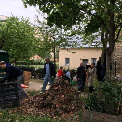 Sur le chemin des bureaux de votes, arrêtez-vous aux jardins familiaux de Pierre Valette ;-)