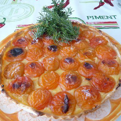 Tarte abricots du Roussillon, crème pâtissière au romarin