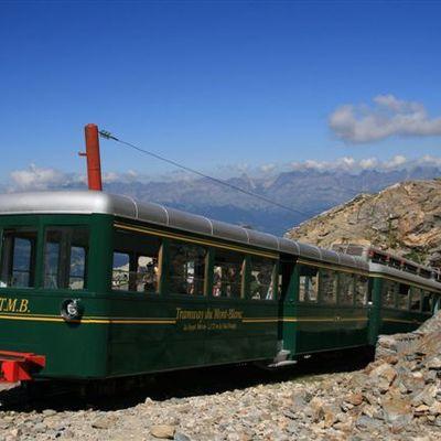 Le tramway du Mont-Blanc de Saint-Gervais Le Fayet au Nid d'Aigle
