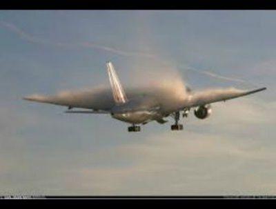 Indege ya Malaysian Airlines, ishobora kuba yarasiwe muri Ukraine.