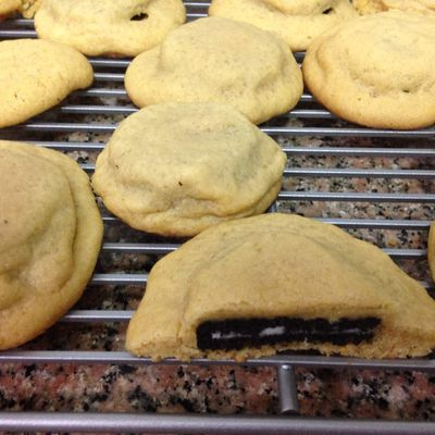 Review: Oreo stuffed peanut butter cookies