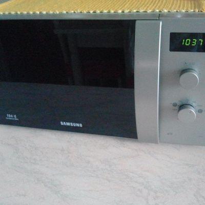 Micronde Samsung GW72V