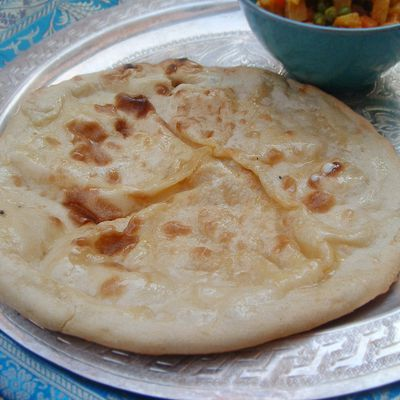 Pain indien, naan (ou nan) au fromage