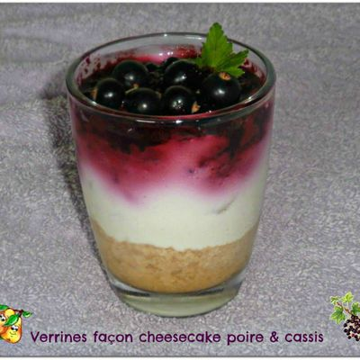 Verrines façon cheesecake poire & cassis